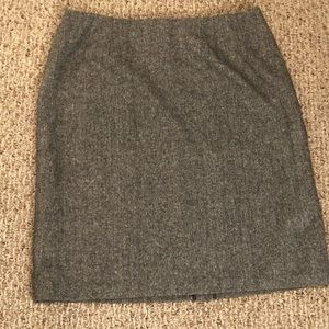 📦5/$20 Pencil skirt by Metro size 16